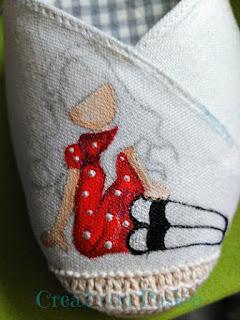 Zapatos-esparto-Gorjuss-roja-pintura-en-tela-Crea2-con-Pasión-primeros-pasos