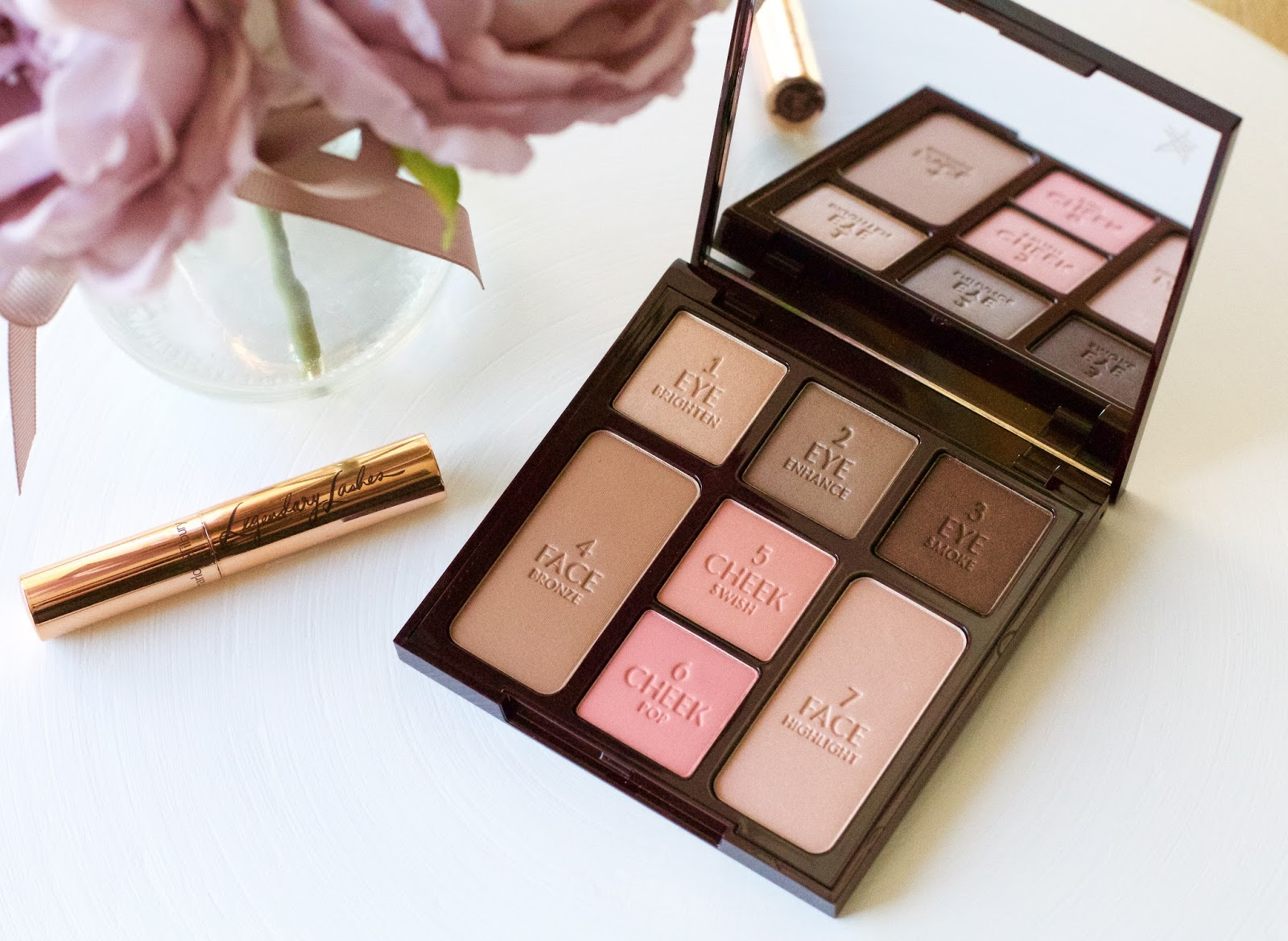 Charlotte Tilbury Instant Look In A Palette & Legendary Lashes Gift Set | The Lifestyle Archives