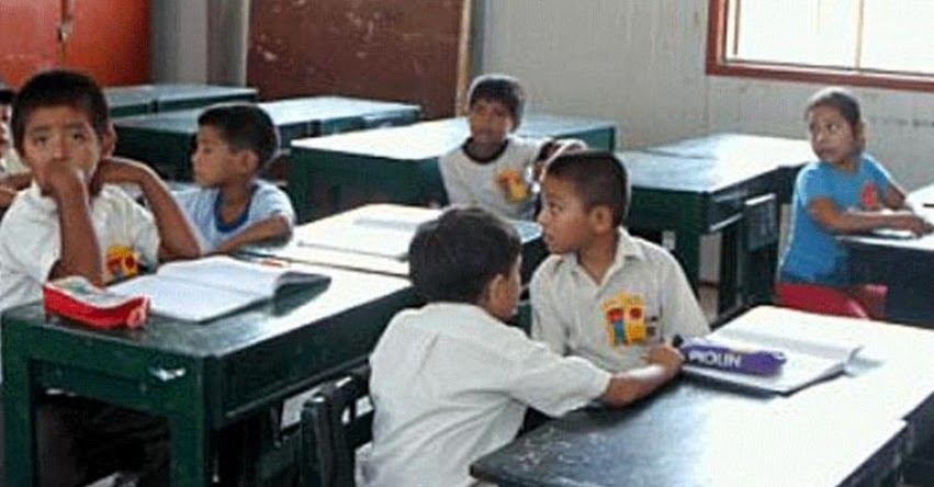 Escolares de Sullana acusan a profesora de pincharlos con alfileres en hombros y piernas