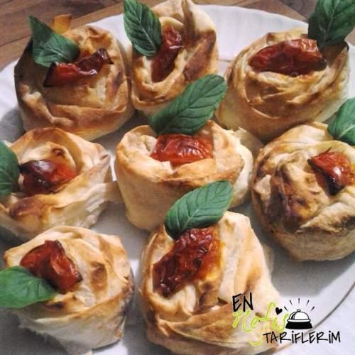 Peynirli Gül Börek Tarifi