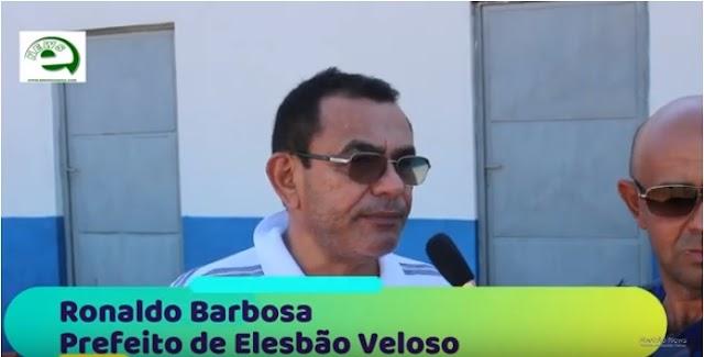"""Prefeito Ronaldo Barbosa em entrevista ao Elesbão News avisa: """"não irei atrás de recursos para construção de mercado público""""."""