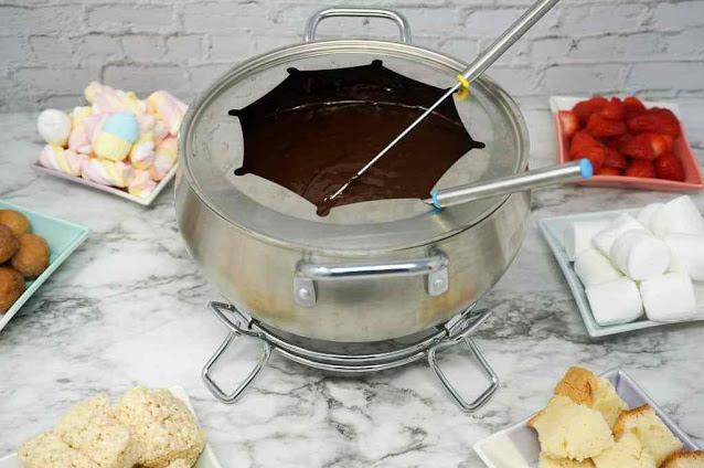 Chocolate Marshmallow Fondue
