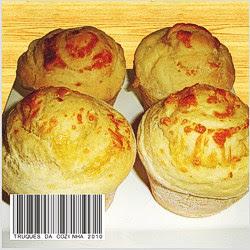 Pão de batata recheado com queijo mussarela
