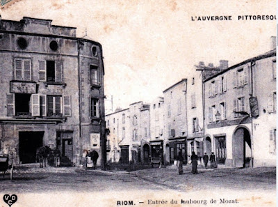 CPA Riom faubourg de Mozat.