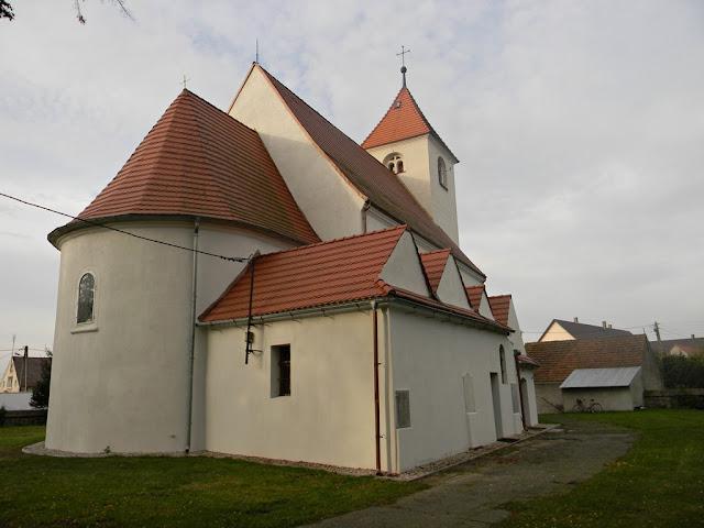 Świątynia jest budowlą o długiej historii.