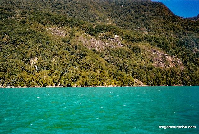 Lago Esmeralda (Lago Todos os Santos), Chile