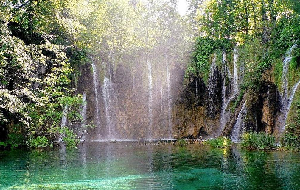 Ministerio Cristiano Genesaret: Manantial de Aguas