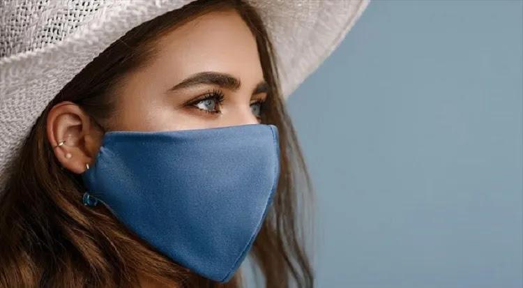 """«Κόβουν»τα όνειρα των εμβολιασμένων οι """"ειδικοί"""": «Δεν είναι ασφαλείς. Θα συνεχίζουν να φορούν μάσκα» – ΒΙΝΤΕΟ"""