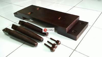 KIMU: Boneka Kayu Dinding - tanpa lutut