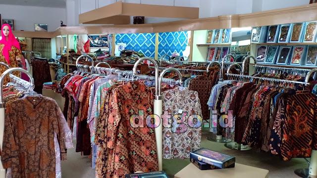 Manonjaya Batik Centre Pusat penjualan baju dan kain batik berkualitas di kota Bandung