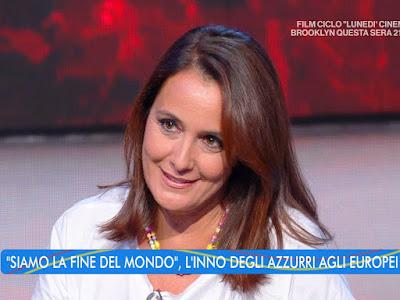 Roberta Capua sorriso bella foto estate in diretta 26 luglio