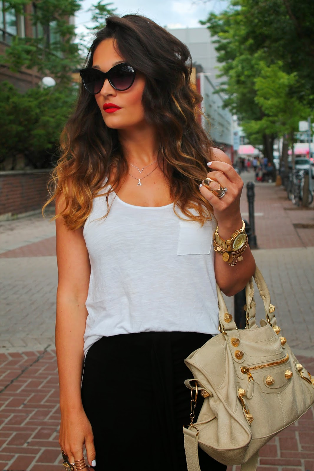 black skirt, black relaxed skirt, relaxed summer outfit, white and black outfit, leopard booties, leopard ankle boots, balenciaga bag, blogerke, letnja moda, canadian fashion blogger, toronto street style, yonge street, dundas square, ombre hair, red lips, alex&ani