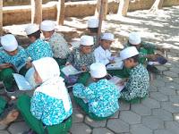 """Antusias Peserta Didik MI Tashilul Mubtadiin saat kegiatan """"Sehari Belajar di Luar Kelas"""""""