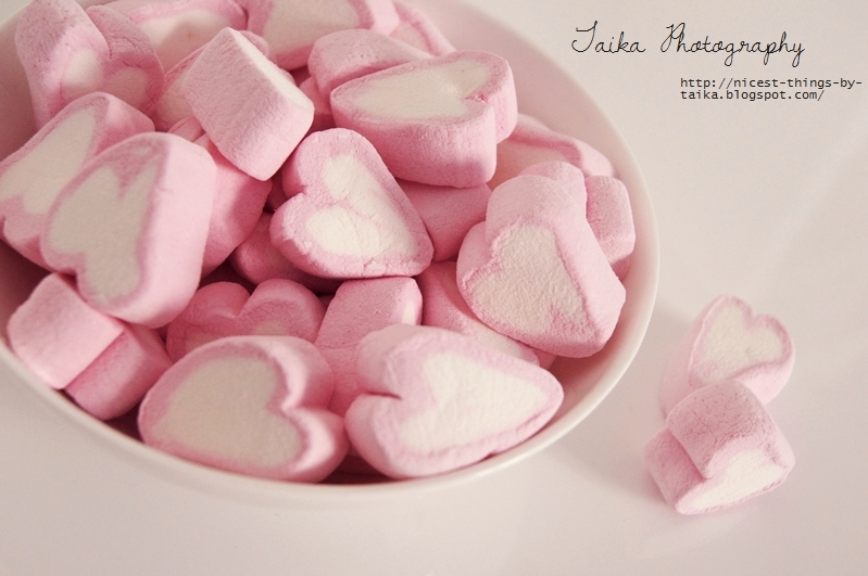 herzförmige rosa Marshmallows