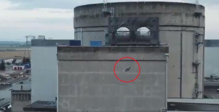 UAV Greenpeace ditabrakkan ke fasilitas nuklir Prancis
