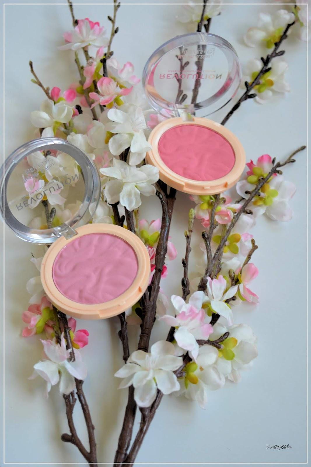 Makeup revolution blusher reloaded Violet Love Ballerina