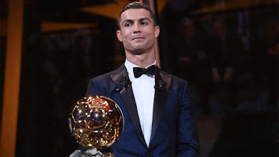 Big news from CorSport , #Cristiano #Ronaldo seems to be the favorite to win the Ballon d'Or 2019 on 2nd December - The delegation of France Football have been seen in Turin in recent days, Recording an interview with #CR7 that will be uploaded after the Ceremony 🎉