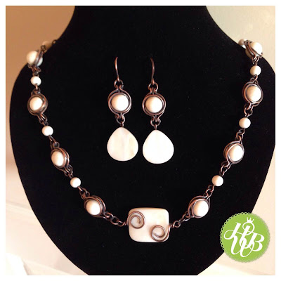 Twice Around the World (TAW) Necklace and Earrings y Vera