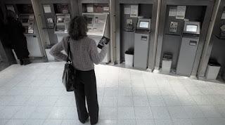 """Los trabajadores bancarios realizan desde hoy un paro, esta vez por 48 horas, en reclamo de un aumento salarial """"satisfactorio"""" en medio de las paritarias y la reincorporación de despedidos en distintas entidades del sector."""
