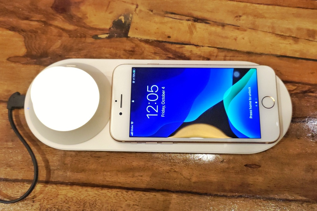 Yeelight 2-in-1 Wireless Charger Night Light