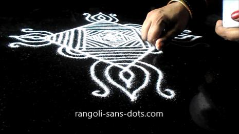 Diwali-muggulu-with-lines-310ad.jpg