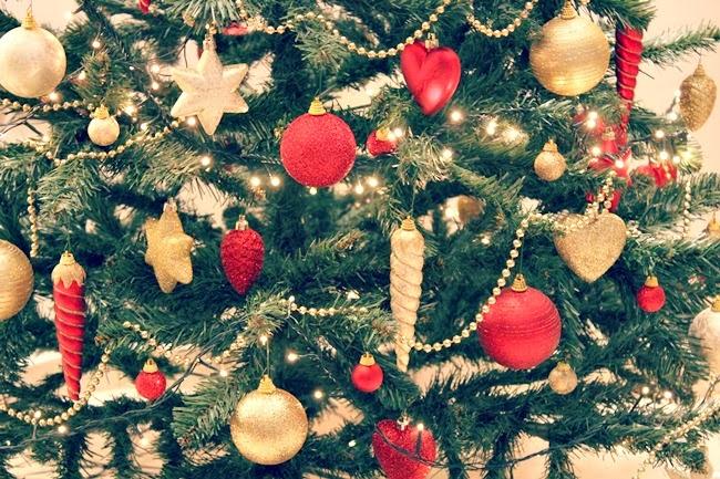 crveno zlatna novogodisnja dekoracija