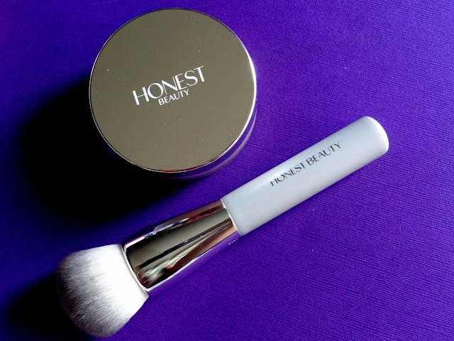 Honest Beauty Buffing Brush And Invisible Blurring Powder