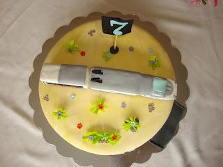 Vista cenital tarta tren ave