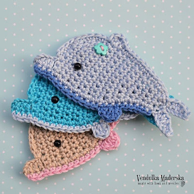 Crochet dolphin applique pattern