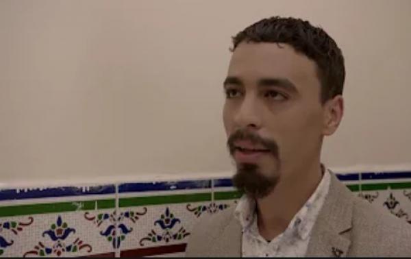 """الفنان المغربي """"هاشم البسطاوي"""" يقرر اعتزال التمثيل ويعلق: أنا بريء أمام الله من كل الأعمال التي اشتغلت فيها"""