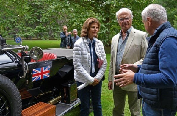 Queen Silvia wore Canada Goose jacket and Superga shoes at Solliden car show. Princess Sofia and Princess Madeleine