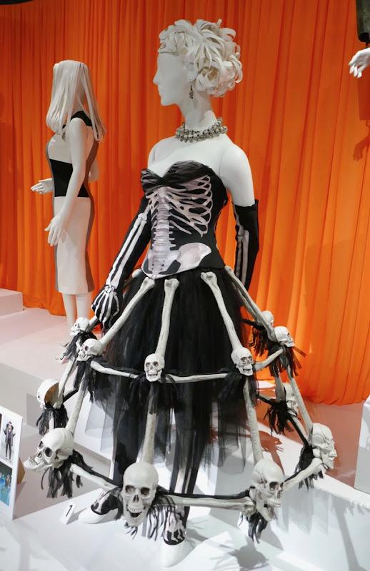 Crazy Ex-Girlfriend season 4 skeleton costume