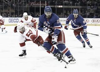 HOCKEY HIELO - Mike Green y Chris Kreider causan bajas para los Oilers y Rangers respectivamente