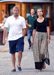 Russian billionaire/Chelsea F.C. owner Roman Abramovich and wife number three, Dasha separate after 10 years