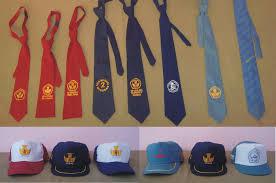 atribut seragam sekolah