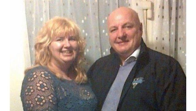 Um homem perdoou a esposa depois de ela o ter esfaqueado 22 vezes devido a um ataque de ciúmes e raiva. O caso aconteceu na Inglaterra.