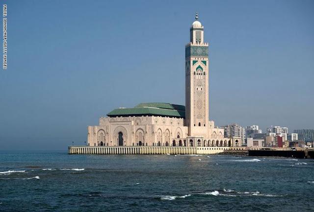 كورونا المغرب ...إدارة فندق معروف بالدار البيضاء تطرد طاقما طبيا وتطلب من السلطات أداء تكلفة الإقامة