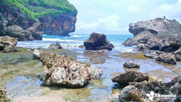 Pantai Wohkudu Yogyakarta