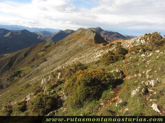 Descendiendo por la Sierra de Benzúa