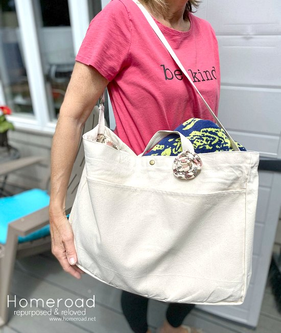 Beautiful summer tote with a vintage liner