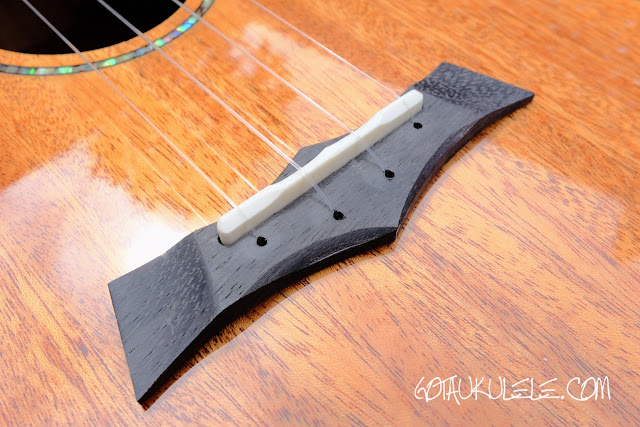 Snail SUT-M1 Tenor Ukulele bridge