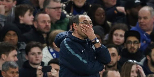 Maurizio Sarri: closer to the sack after Manchester United beat Clelsea 2-0