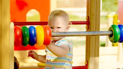 Ini Merupakan sederet perkembangan motorik anak usia 3 tahun yang ideal