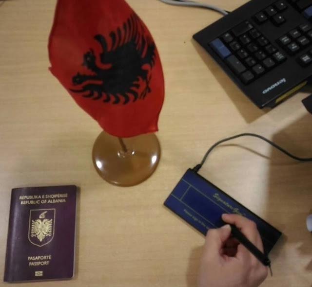 Il Consolato albanese a Milano annuncia l'arrivo dei documenti