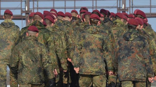 """تقرير ومقابلة حول التطرف اليميني في الجيش الألماني""""أصبح المجتمع بأسره أكثر راديكالية"""""""