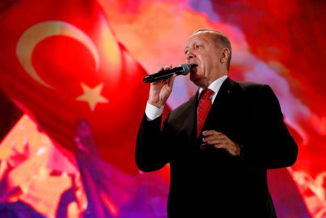 Τουρκία: Εκατοντάδες χιλιάδες βιβλία στην πυρά για την καταπολέμηση του γκιουλενισμού