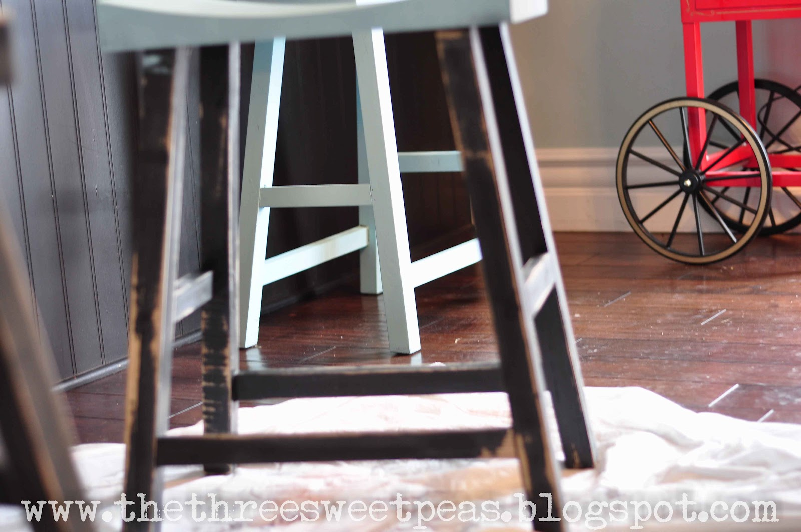 Wondrous The Three Sweet Peas Counter Stool Redo Before And After Dailytribune Chair Design For Home Dailytribuneorg