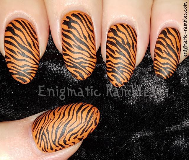 tiger-print-nails