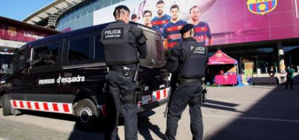 Los Mossos de Esquadra se han personado en las oficinas del Barça para buscar documentación vinculada con el Barçagate