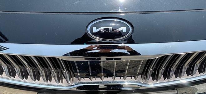 Hình ảnh thực tế logo Kia mới - lạ mắt và khó nhìn